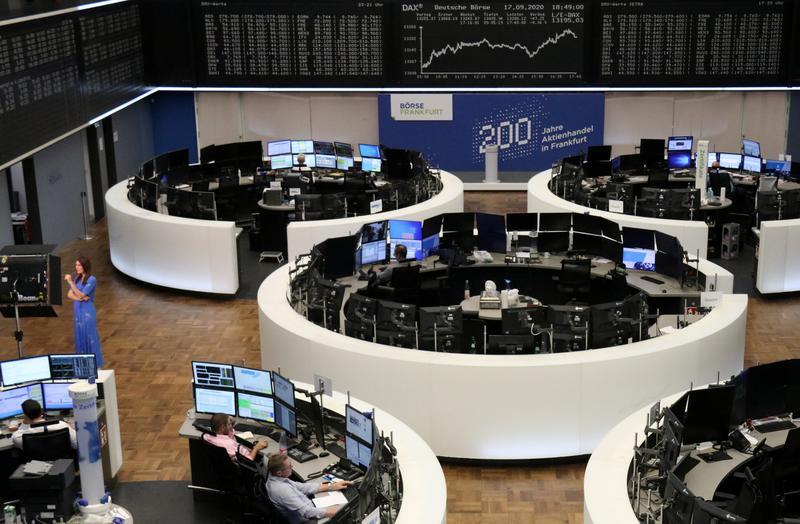 European stocks bounce on tech support, virus concerns linger