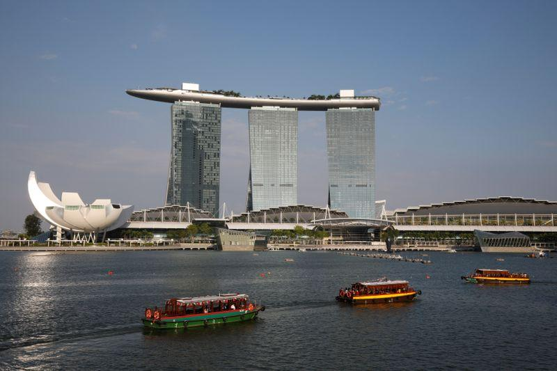 Singapore considers electric boats to cut emissions