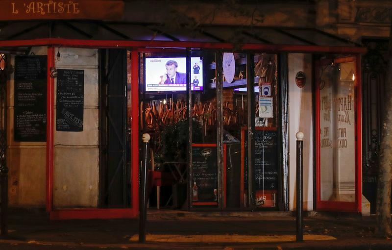 仏、主要都市で夜間外出禁止令 欧州でコロナ制限強化相次ぐ