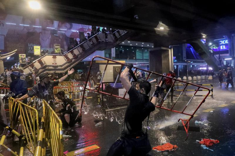 Thai police turn water cannon on defiant protesters   Reuters