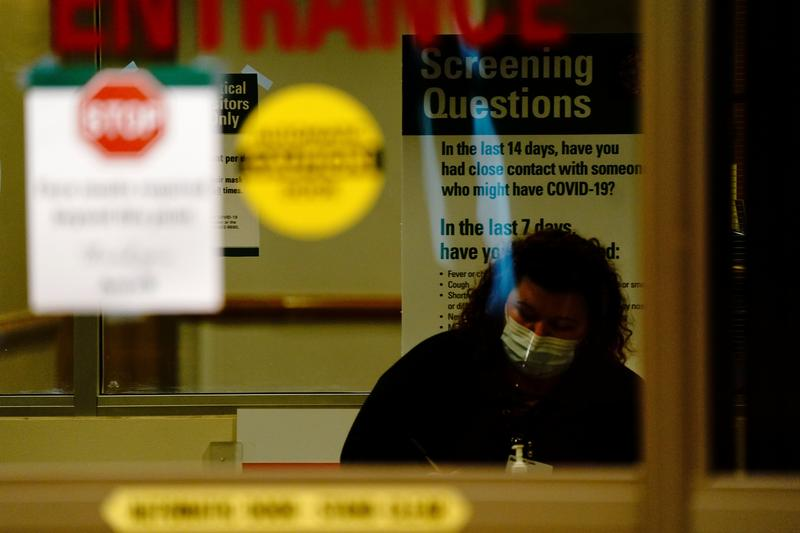 Almost half a million Americans contract COVID-19 in past week as infections surge - Reuters