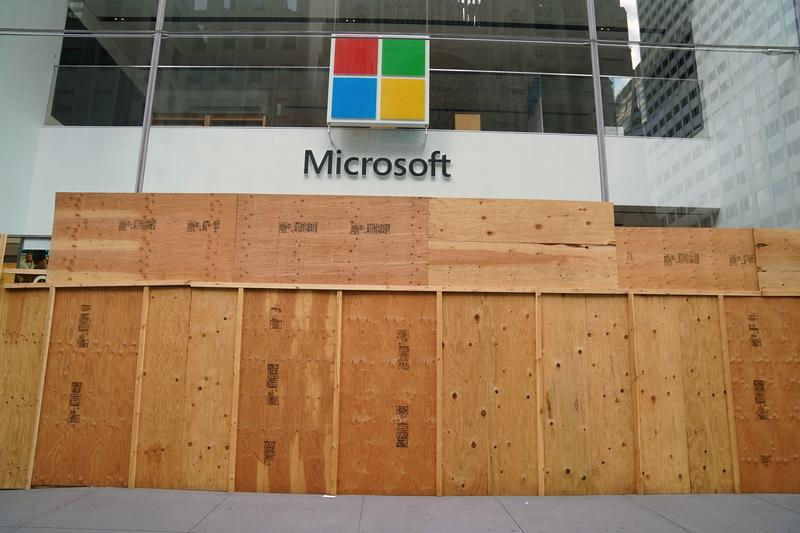 Microsoft cloud business gathers steam as pandemic boosts growth - Reuters