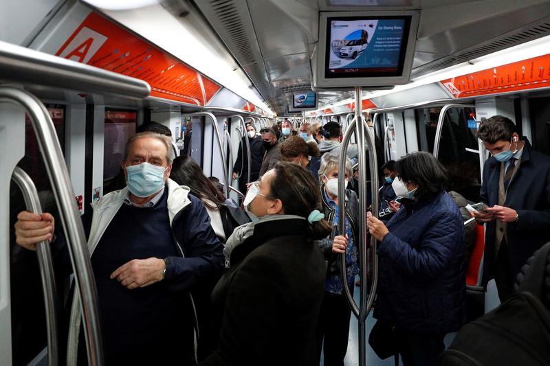 Các ca nhiễm coronavirus hàng ngày ở Ý đạt kỷ lục mới, nhiễm trùng ở Lombardy tăng cao