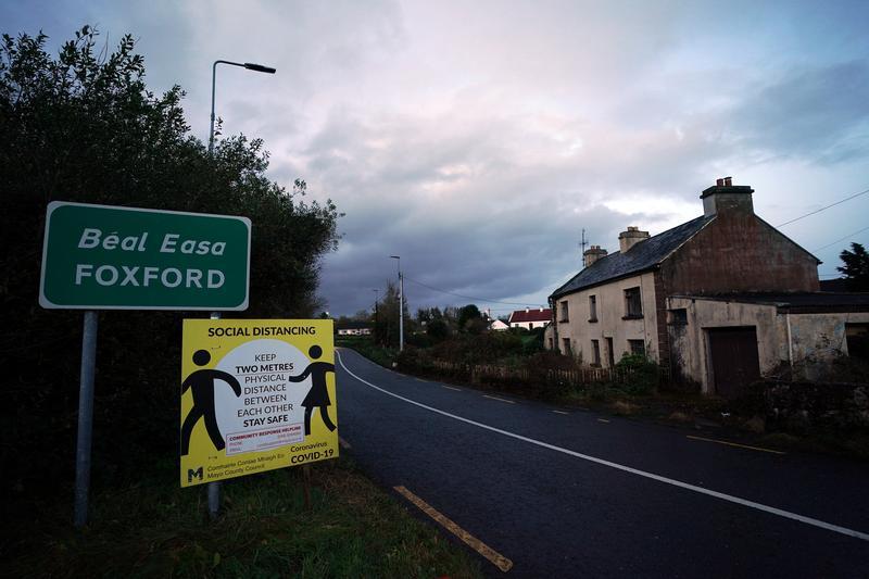 UPDATE 1-Ireland's latest coronavirus curbs put 85,000 temporarily out of work