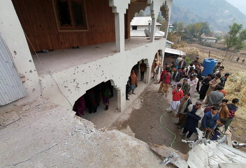 15 People Dead After Indian and Pakistani Troops Exchange Fire Along Border