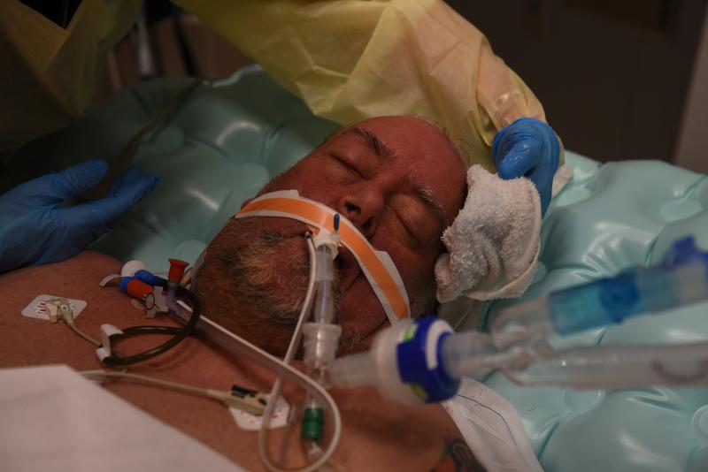 米、コロナ入院数9万人超える 感謝祭で病院逼迫懸念