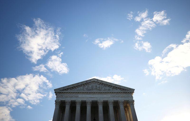 Texas pide a la Corte Suprema de EEUU que ayude a Trump a cambiar el  resultado electoral   Reuters