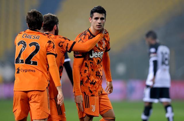 Ronaldo scores twice as Juventus crush Parma