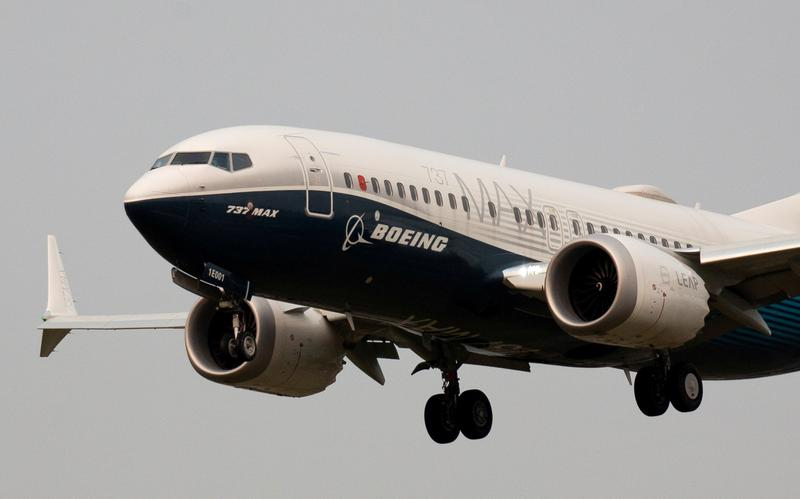 Alaska Airlines agrees to buy 23 Boeing 737 MAX jets