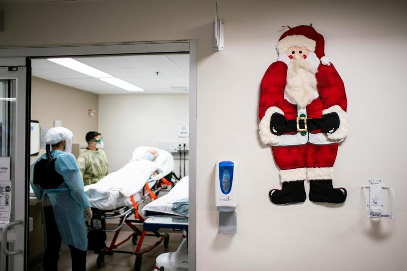 U.S. COVID-19 deaths and new cases drop over Christmas week - Reuters India