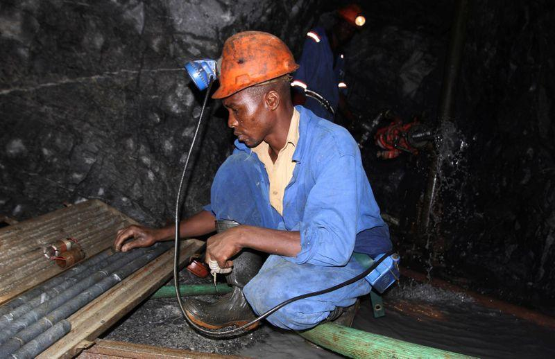 Zimbabwe gold deliveries tumble nearly a third to 19 tonnes in 2020