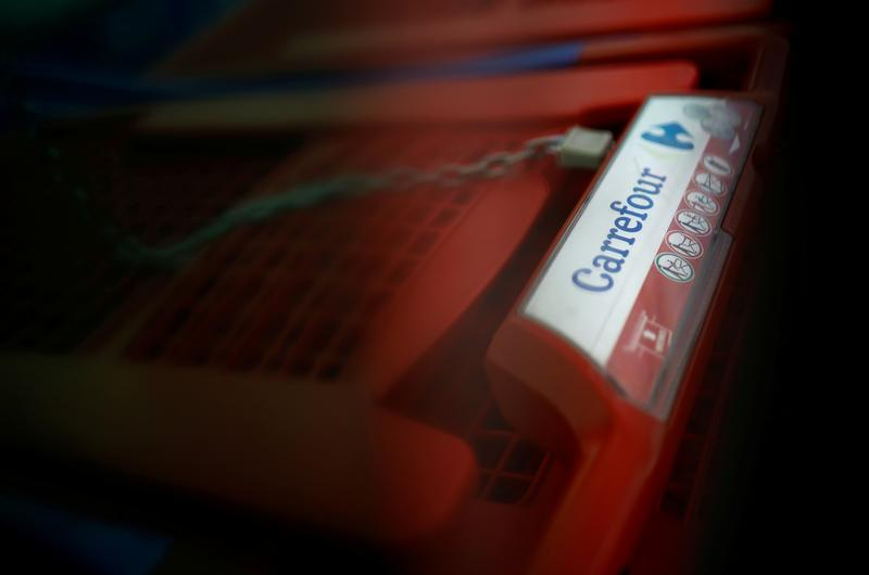 Exclusive: Canada's Couche-Tard drops Carrefour takeover plan -source