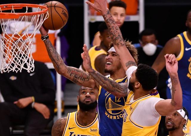 NBA: Warriors escape 19-point hole, stun Lakers