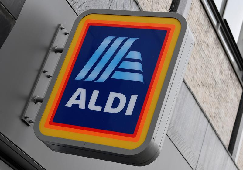 Supermarket chain Aldi to pay U.S. workers who get COVID-19 vaccination – Reuters