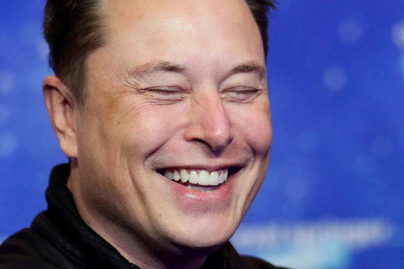 Elon Musk's banter with Robinhood CEO triggers stampede for Clubhouse app - Reuters