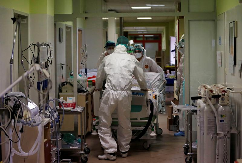 Overflowing Czech hospitals seek patient transfers as 'UK variant' rages