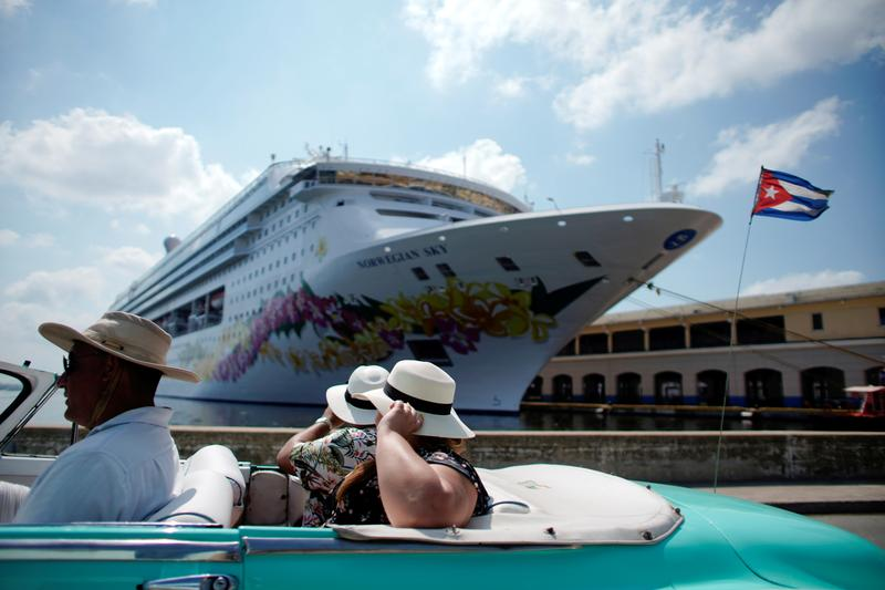 Investors eye shares of hotels, cruise lines as U.S. vaccinations pick up - Reuters