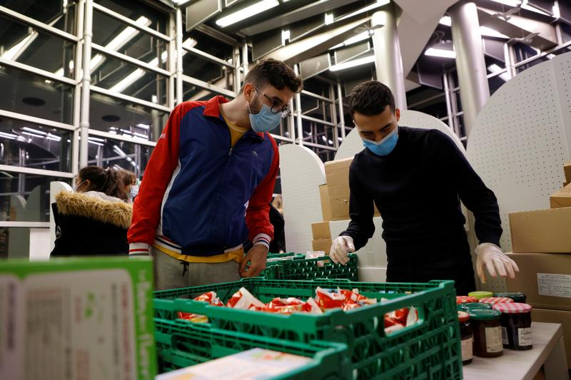 Students in France wait for food handouts as COVID-19 destroys part-time jobs