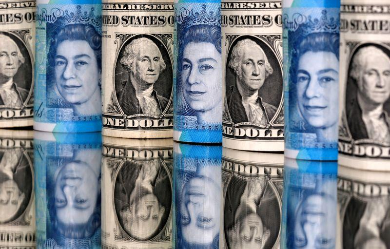 Dollar on defensive as risk sentiment improves; kiwi rallies after RBNZ
