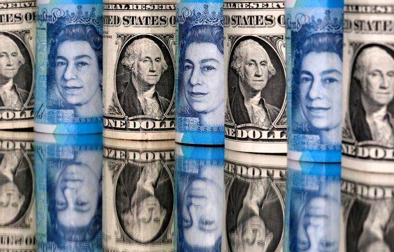 Dollar on defensive as risk sentiment improves; kiwi rallies after RBNZ