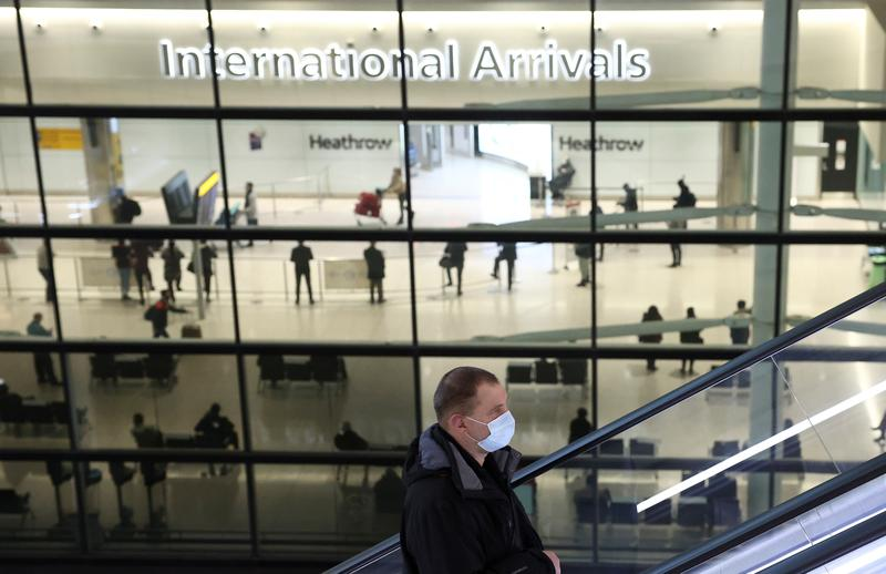 Image Britain's Heathrow sinks to $2.8 billion loss during pandemic