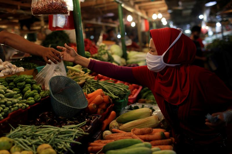 Image World food price index rises in Feb for ninth month running: FAO - Reuters