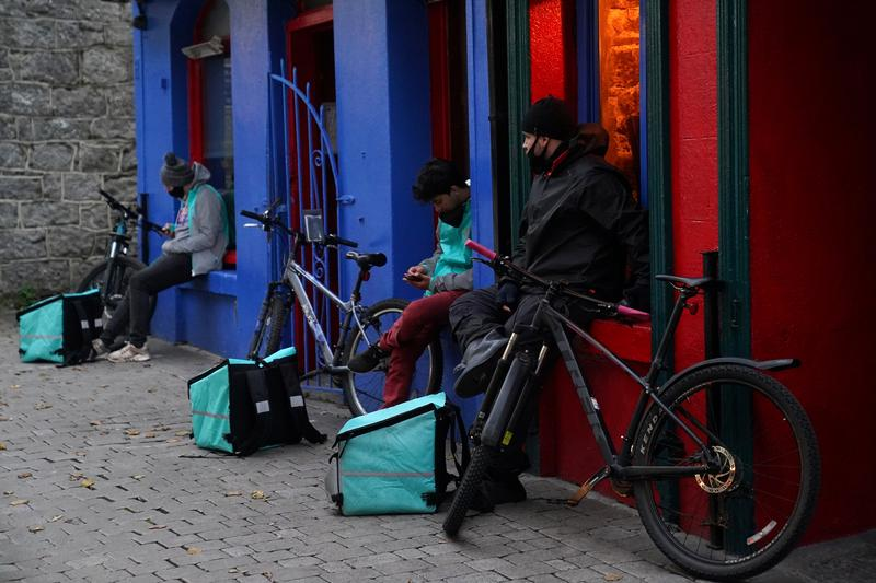 Image 'A side of shares': Deliveroo to offer 50 million pounds of stock to customers - Reuters