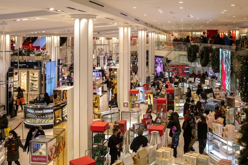 U.S. consumer prices rise; underlying inflation muted for now
