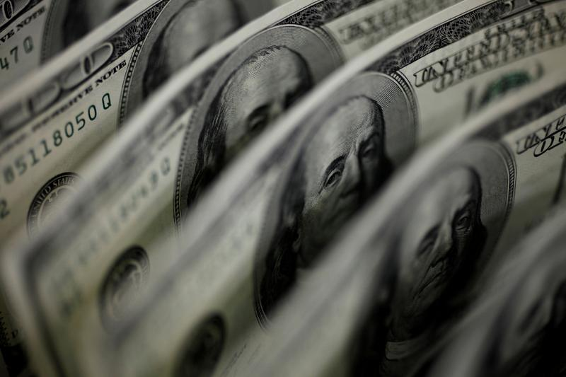 U.S. dollar hits one-year high vs yen, index on track for best quarter since June 2018