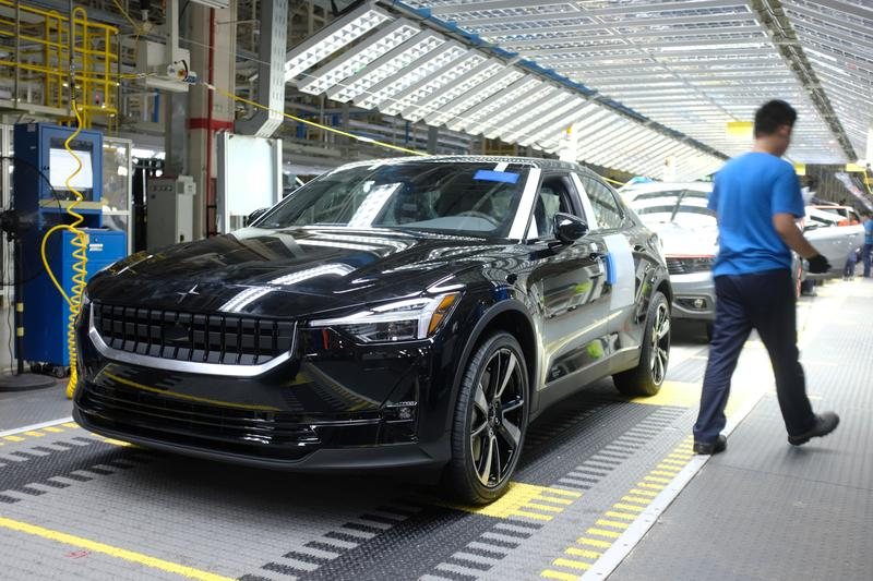 volvo-cars-to-review-various-options-including-ipo-geely-says