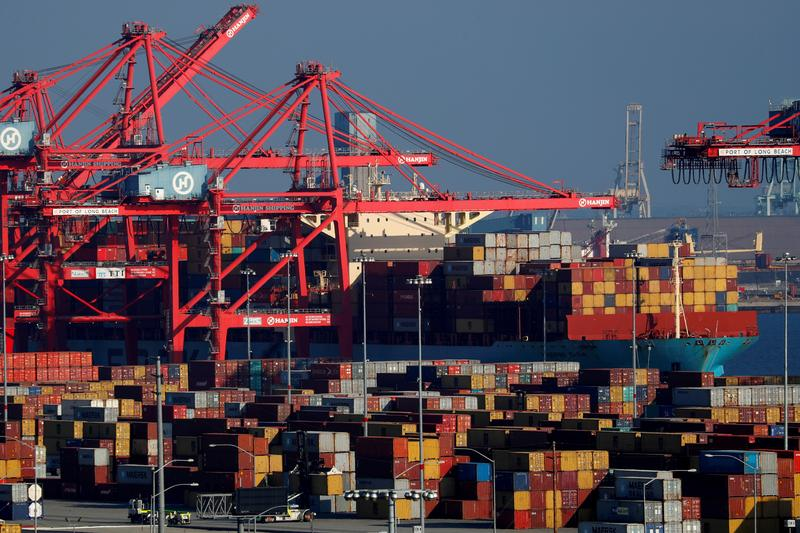 U.S. trade deficit hits record high as economy gains speed  image