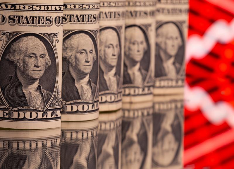 dollar-trades-near-two-week-low-as-u-s-yields-fall