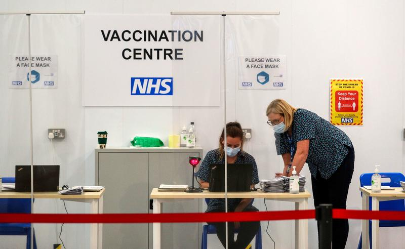 vaccine-rollout-in-england-prevented-10400-deaths-by-end-march-study-says