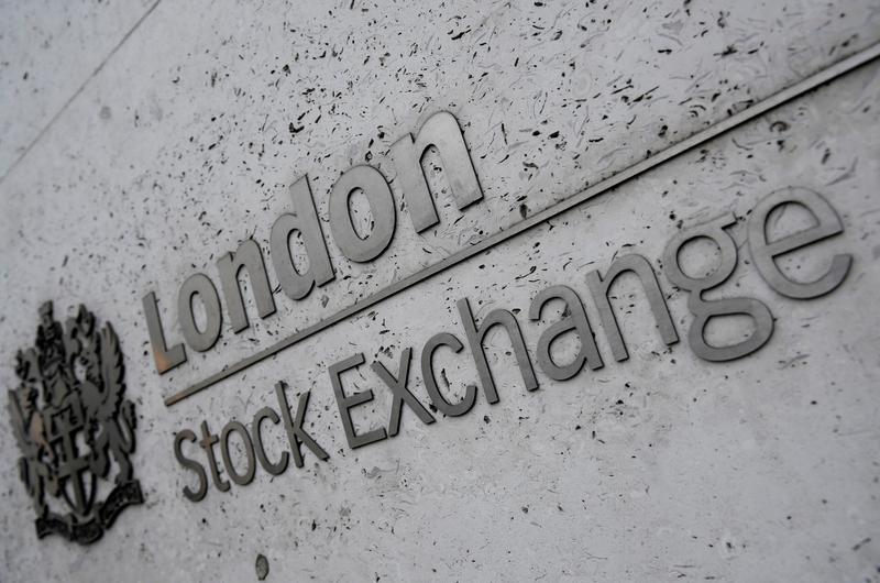 Commodity stocks, inflation worries drag FTSE 100 to over 5-week low