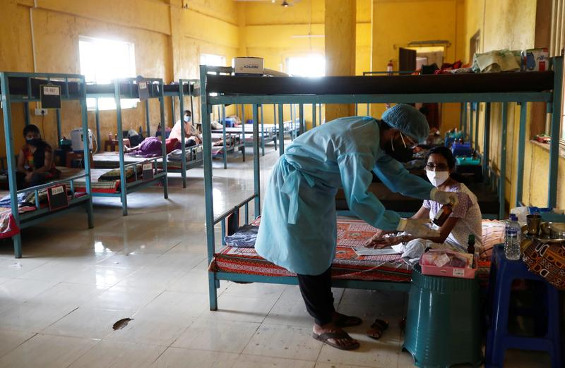 インド、承認前コロナワクチン3億回分購入へ 国内企業が製造