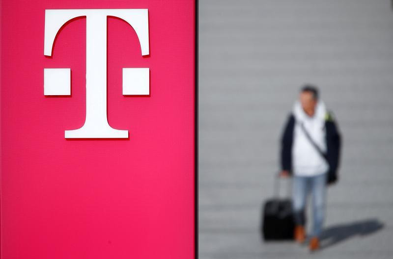 Image EXCLUSIVE-Deutsche Telekom seeks investors to bankroll German internet overhaul - sources - Reuters