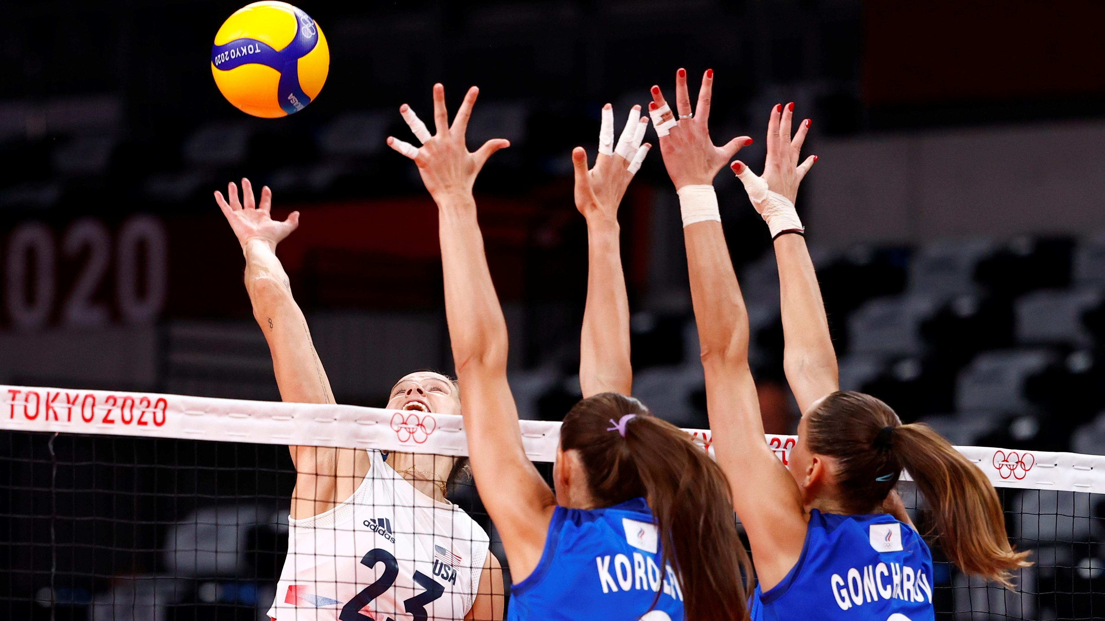 Olympics-Volleyball-U.S. crushed by ROC after losing Thompson to injury