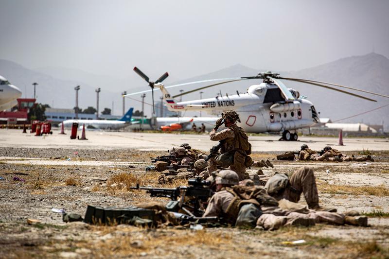 アフガン退避、今後数日間が最も危険に 国連安保理は自爆攻撃非難