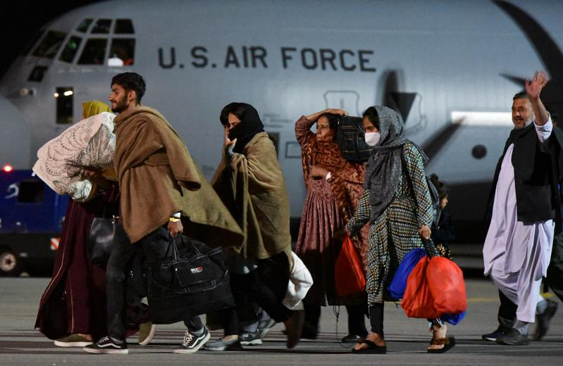 ?m=02&d=20210831&t=2&i=1573397748&r=LYNXMPEH7U01L&w=800 • 综述:美国结束最长战争完成从阿富汗撤军 塔利班称获国家独立