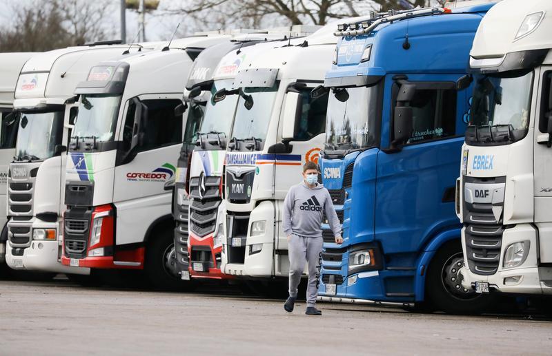 英トラック運転手不足問題、政府は解決に全力を挙げると表明
