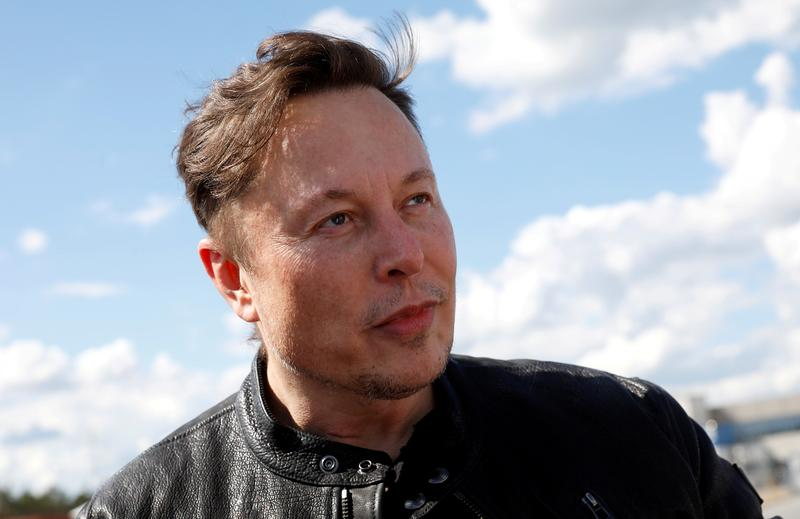 Elon Musk says he and musician girlfriend Grimes are 'semi-separated'.jpg